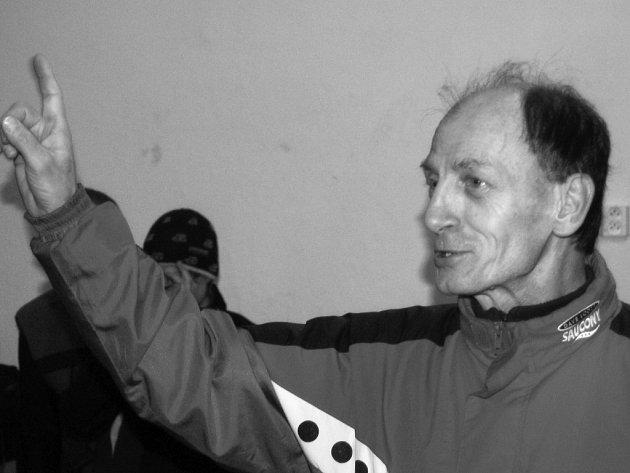Známý rokycanský vytrvalec Ján Korytár (na snímku) zval běžce v Mýtě na Novoroční závod k vrcholku Žďáru. Start je v 11 hodin.