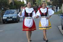 ADÉLA MAŠKOVÁ a Romana Oliberiusová (zleva) patřily k aktérům staročeských májů v Oseku.
