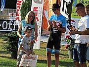 Šek na 50 tisíc korun se podařilo předat Davídkovi na závodech horských kol ve Stupně.