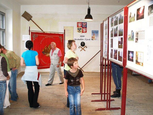 Posvícení a zároveň sté výročí založení místního sboru dobrovolných hasičů oslavili v Drahoňově Újezdu.