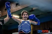VIKTORIE JÍLKOVÁ vyhrála v Praze skvěle obsazený turnaj v thajském boxu. Zároveň hraje hokej za ligové žáky HC.