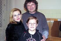 Dana Morávková a Petr Malásek se svým synem.