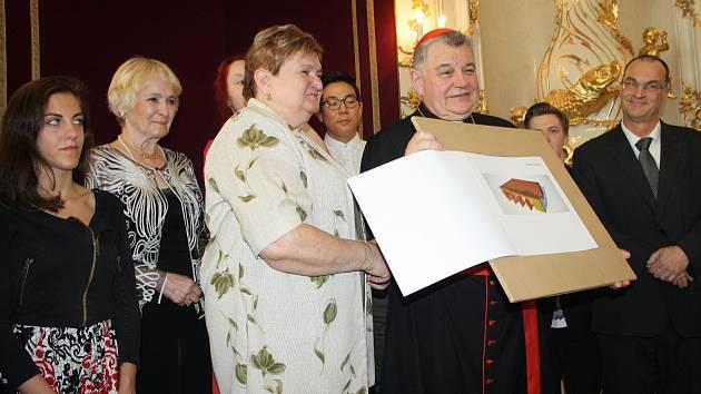 Pergola, jejíž studii dostal kardinál od studentů, poputuje do Zvíkovce.