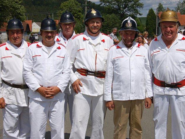 Dobrovolní hasiči v Příkosicích slavili sto let od založení sboru.