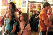 Umělecká škola v Rokycanech se chlubí výstavou.