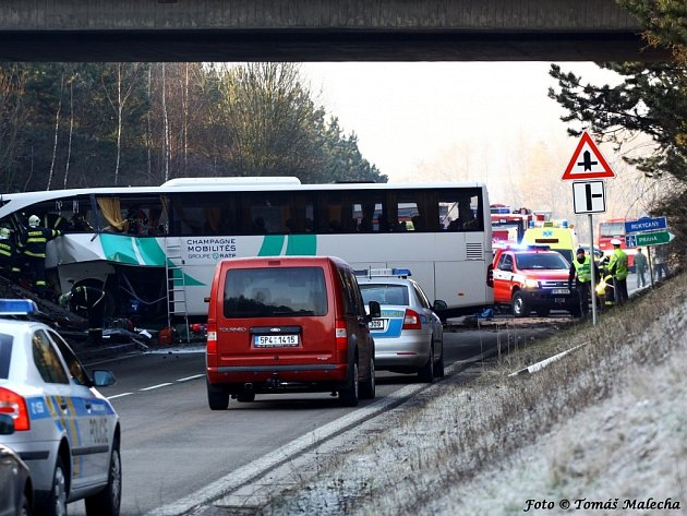 Nehoda francouzského autobusu u Rokycan.