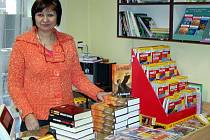 Milada Holá z knihkupetctví v Rokycanech objednala hned dvě stovky výtisků sedmého dílu čarodějnického dobrodružství.