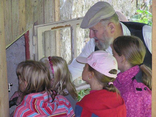 V sobotu nadchla malé návštěvníky prohlídka Pouskova mlýna.