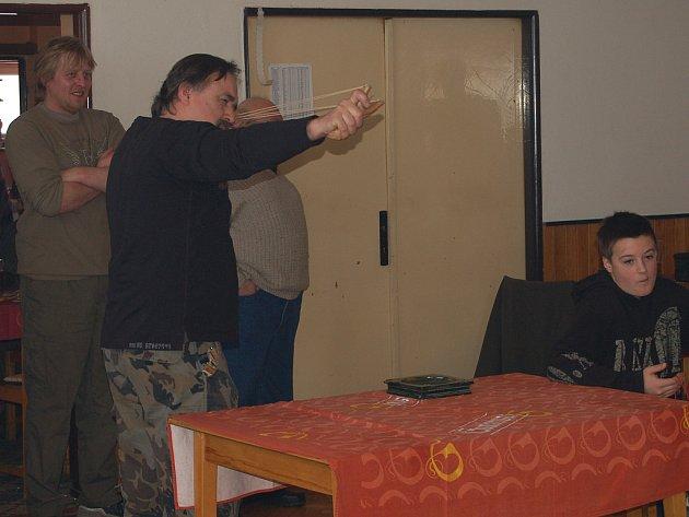 V Plískově se sešli příznivci praků.
