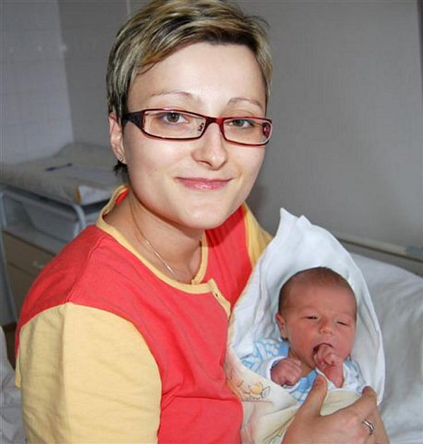 Filip KŮS z Plzně Radobyčic si na sále rokycanské porodnice zakřičel poprvé 12. října. Narodil  se brzy ráno ve 4 hodiny a 28 minut.