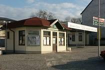Holanďané, Němci i Španělénavštěvují pravidelně Infocentrum mikroregionu Zbirožsko (na snímku).