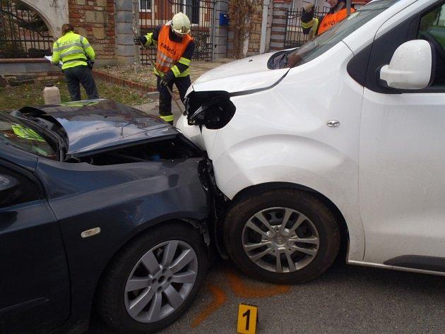 Kolize ve Smědčicích si naštěstí nevyžádala žádná zranění. Motorista nedal přednost.