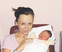 Lukáš KOLÁŘ z Hrádku přišel na svět 23. června ve Fakultní nemocnici v Plzni. Narodil se ve tři čtvrtě na šest ráno. Manželé Ivana a Miroslav znali pohlaví svého druhého dítěte dopředu. Lukášek vážil při narození 3 300 gramů, měřil 50 cm.
