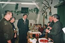 Stránka historických fotografií vycházející v rámci cyklu Jak jsme žili v Československu přináší tentokrát druhou část snímků z obce Vejvanov.