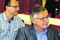 Bušovicko zastupoval včera v Hrádku starosta Luboš Pták (vlevo). Vedle něho je Pavel Kočárek z Klabavy.