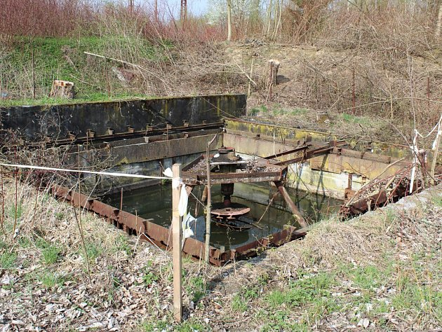 Stará čistička odpadních vod už léta straší matky zbytovek vBřasích.