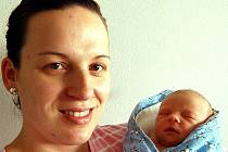 Lenka Hodková z Mirošova vykoukla na svět 8. listopadu před osmnáctou hodinou. Měřila 50 cm a vážila tři kilogramy. Manželé Lenka a Václav (byl při porodu) se nechali pohlavím druhého děťátka překvapit. Doma už vychovávají dvouletou Anetku.