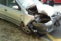Nehoda osobního automobilu u Mirošova
