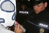 Ve čtyřech zbirožských provozovnách zkontrolovali policisté desítky osob, z nichž tři byly pod vlivem alkoholu.