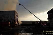 Požár zemědělské haly u Oseka na Rokycansku.