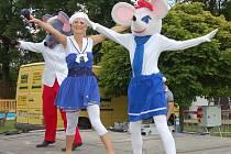 PŘESNĚ NA DEN se včera konaly oslavy 80 let od otevření rokycanského koupaliště. Součástí kulatin byl vstup zdarma, pořad pro malé návštěvníky i hudební produkce.