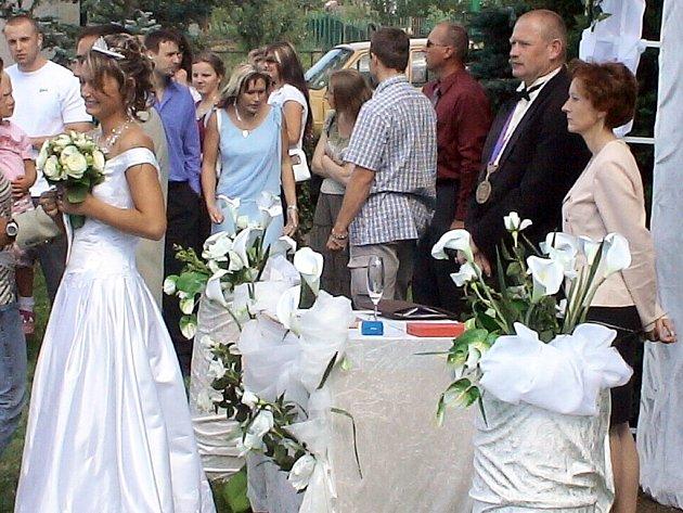 Premiérová svatba se uskutečnila ve Všenicích.