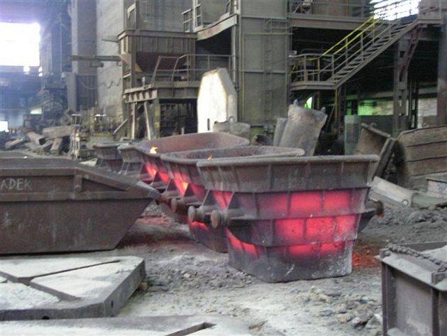 Tragická událost, která se odehrála v hrádeckých železárnách, je stále tématem číslo jedna. Na fotografii vidíte, jak to ve fabrice vypadalo bezprostředně po výbuchu.