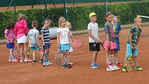 Malí mýtští tenisté obklopili Štěpánka