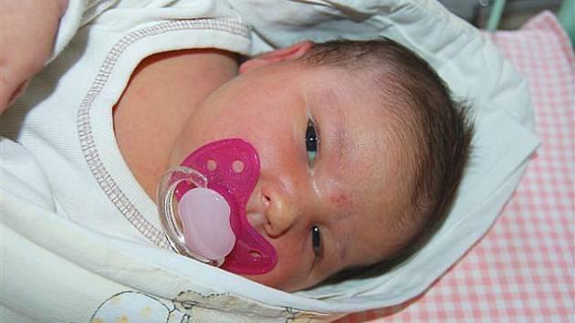 Markéta  MITÁČKOVÁ  z Rokycan přišla  na svět 6. listopadu ve 20 hodin a 50 minut. Manželé Marie a Leoš znali pohlaví svého prvního dítěte dopředu. Markétka vážila při narození 4 730 gramů, měřila úctyhodných 55 cm.