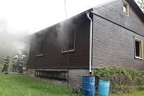 Čtvrteční požár chaty v Hrádku
