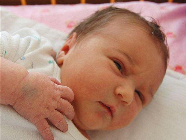 Matěj ORSZAG ze Strašic si na sále rokycanské porodnice poprvé zakřičel 19. srpna. Narodil se dvě hodiny a čtyřicet pět minut po půlnoci. Manželé Lenka a Radek věděli dopředu, že jejich první dítě bude chlapeček.