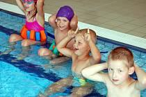 Výuku plavání mají v osnovách zakotveny třetí a čtvrté ročníky. Ovšem z hlediska prevence se jí v rokycanském bazénu věnují i děti z nižších tříd a předškoláčci.