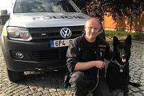 Policejní pes přišel v neděli večer o ´práci´. Pohřešovanou ženu vypátral jeho majitel!