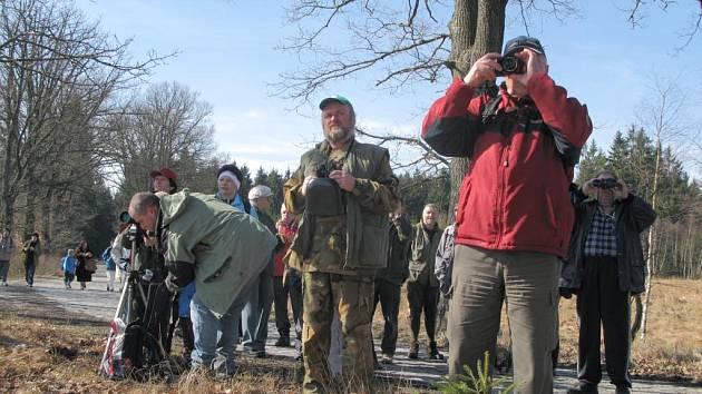 Skoro padesát lidí od předškoláků až po seniory se v sobotu vypravilo s rokyanskými ochránci přírody na ornitologickou vycházku k Padrťským rybníkům