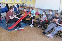 Žáci si vyzkoušeli, jak se cítí zdravotně postižení sportovci.