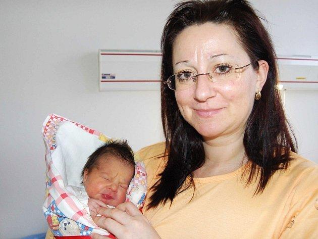 Prvním letošním miminkem v Rokycanech byla  holčička. Jmenuje se Nikol Karasová a 1. ledna to stihla 25 minut před půlnocí.