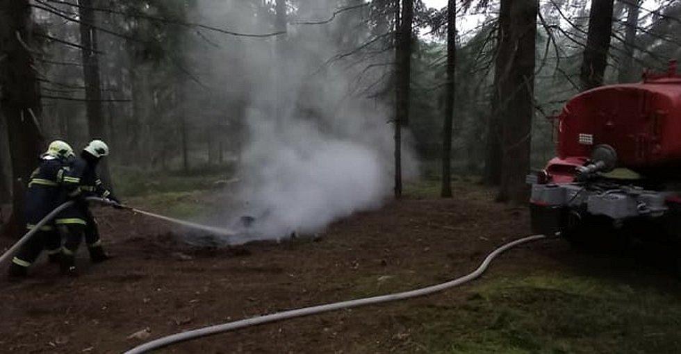 Strašičtí zasahovali doma - výjezdová jednotka strašického hasičského sboru v akci na Ostrém vrchu.