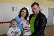 ROSTISLAV FIL z Rokycan se narodil 28. března v 10:51 hodin manželům Ivaně a Ihorovi. Rodiče věděli dopředu, že jim k dvouleté dceři Rozálii přibude chlapeček. Malý Rosťa vážil při příchodu na svět 3430 gramů, měřil rovných 50 cm.
