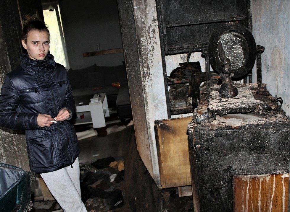 Totální zmar. Po nočním požáru nezbylo mladé rodině nic.