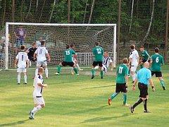 Fotbalisté FC Rokycany (v zelených dresech) mají za sebou  dvě vítězná střetnutí v krajském přeboru mužů. Po premiérovém zisku s Petřínem družstvo bodovalo naplno v Plzni na Prokopávce. Domácí prostředí tu má SSC Bolevec, který celku z Husových sadů podle