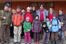 Sobotní vycházka rokycanských ochránců přírody směřovala za hranice okresu. Dvacet výletníků se přemístilo vlakem do Plzně a s dalšími přáteli vyrazila skupina k Berounce.