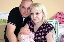 ILONA KLASNOVÁ z Blovic přišla na sále rokycanské porodnice na svět 30. března. Narodila se sedm minut po deváté ráno. Manželé Ilona a Lukáš věděli dopředu, že i jejich druhé dítě bude holčička. Doma se na sestřičku těší Liduška (6).Váha 2980 g, 48 cm.
