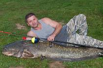 Sumec měl 199 centimetrů a važil 53 kilogramů