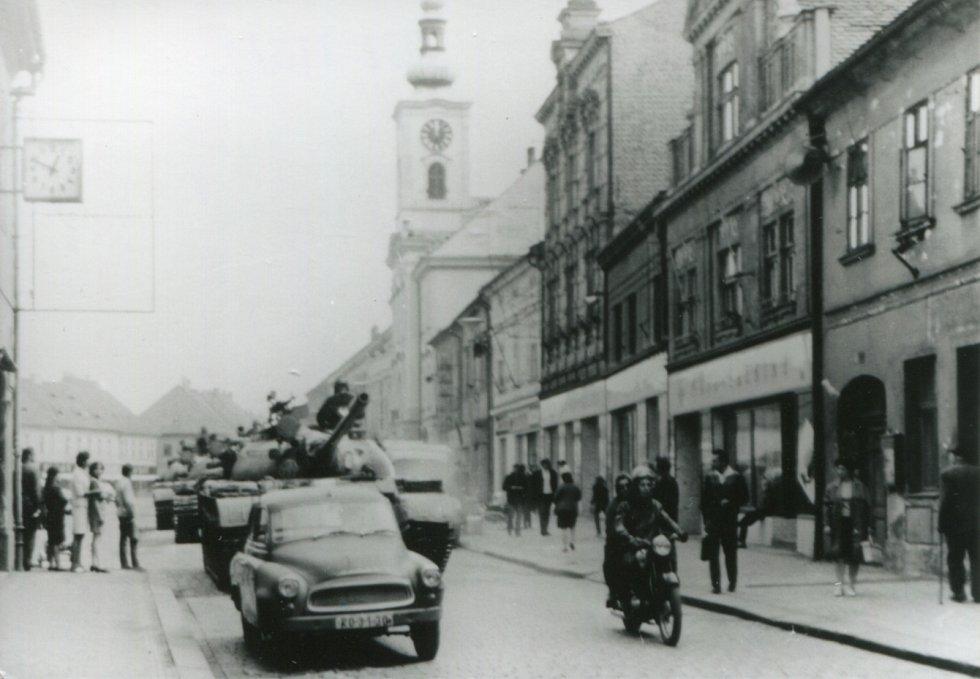 Tanky na náměstí v Rokycanech.