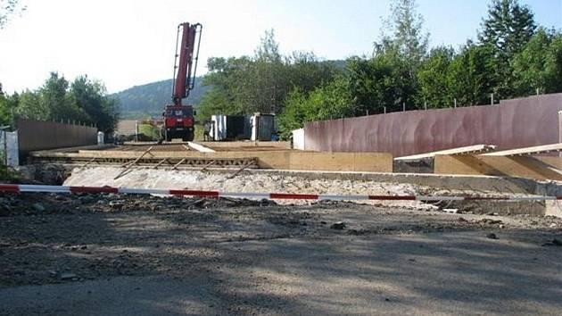 Rekonstrukce mostu nad Klabavou.