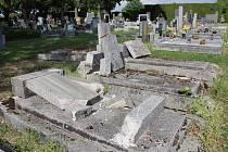 152 neopečovávaných hrobů evidují Rokycany.