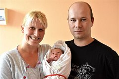 Evelína SIEDEROVÁ z Rokycan se narodila 28. září v 9.41. Manželé Vendula a Jiří se nechali pohlavím svého druhého dítěte překvapit až na porodní sál. Doma už mají syna Vašíka. Evelínka vážila při narození 3120 gramů, měřila 50 cm.