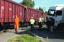 Při střetu kamionu s vlakem se naštěstí nikdo nezranil.