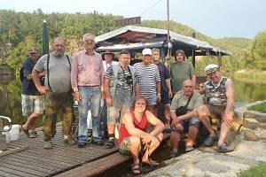 VOR KRAKEN a jeho osádka má za sebou další plavbu. Tentokrát pokořila přehradu na Vltavské kaskádě.