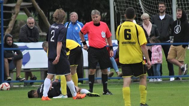 Zkušený rozhodčí Kohout (na lajnách mu asistovali Vocelka a Štychová) udělil během střetnutí jedinou žlutou kartu. Ve 41. minutě ji spatřil hostující Ondřej Žák.